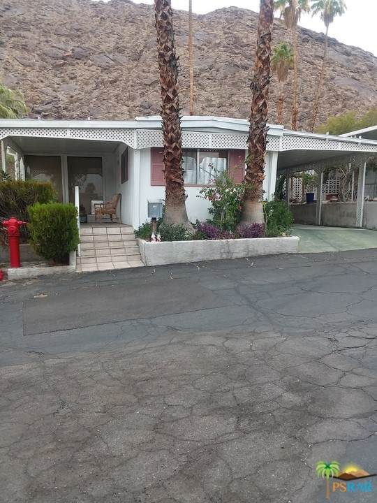 723 Scenic View, Palm Springs, CA 92264 (#21751906) :: The Miller Group