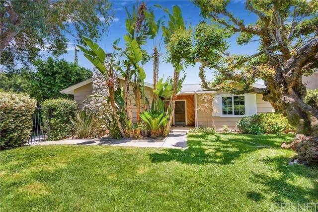 5206 Goodland Avenue, Valley Village, CA 91607 (#SR21135011) :: Wendy Rich-Soto and Associates