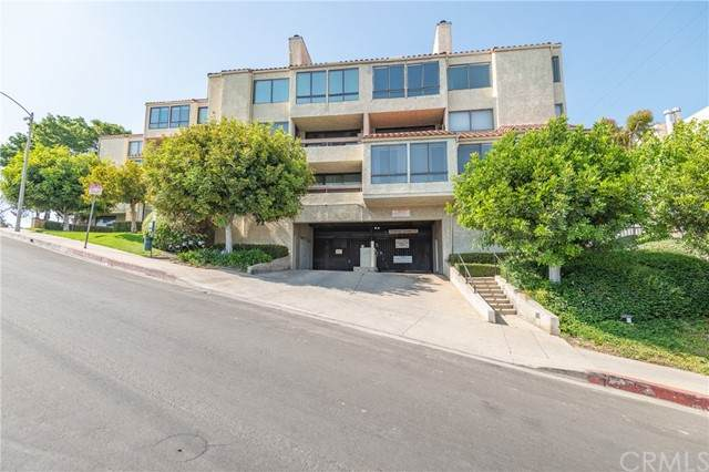 1900 Vine Street #308, Los Angeles (City), CA 90068 (#OC21135905) :: Zutila, Inc.