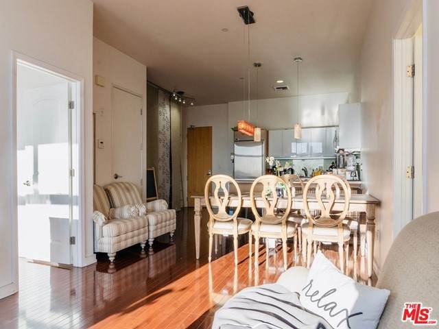801 S Grand Avenue #1812, Los Angeles (City), CA 90017 (#21752178) :: American Real Estate List & Sell