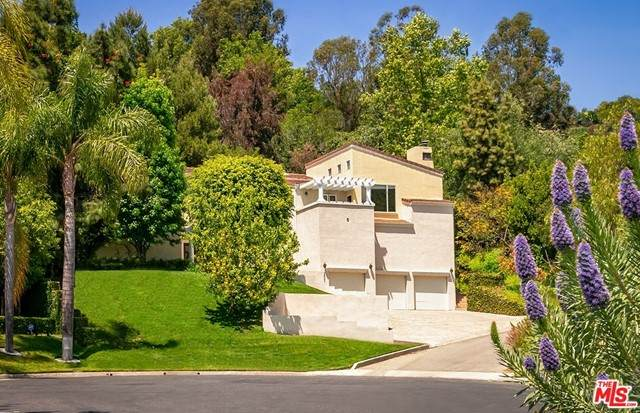 2680 Astral Drive, Los Angeles (City), CA 90046 (#21751300) :: Wendy Rich-Soto and Associates
