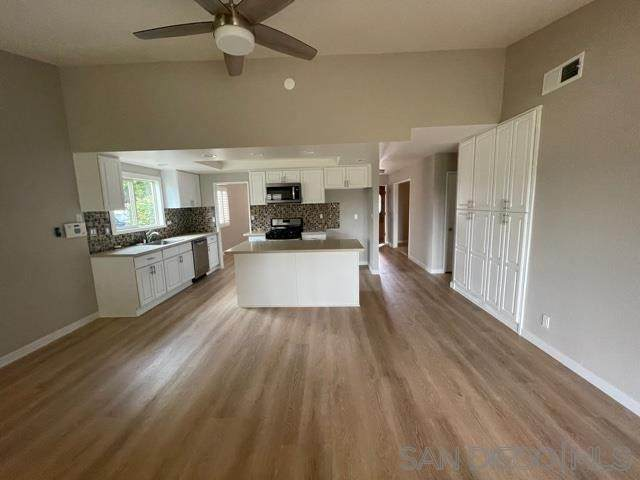 234 Luiseno, Oceanside, CA 92057 (#210017346) :: American Real Estate List & Sell