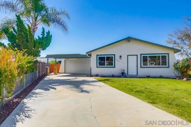 9907 Saddleback Dr, Lakeside, CA 92040 (#210017353) :: American Real Estate List & Sell