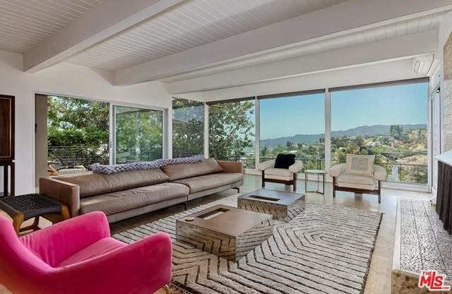 1401 N Tigertail Road, Los Angeles (City), CA 90049 (#21752026) :: The Miller Group