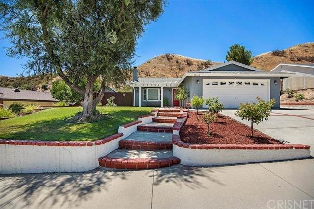 14666 Hydrangea Way, Canyon Country, CA 91387 (#SR21135769) :: American Real Estate List & Sell