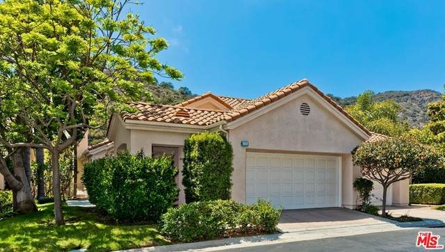 686 Palisades Drive, Pacific Palisades, CA 90272 (#21746500) :: The Miller Group