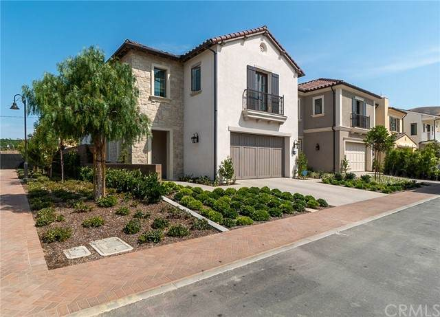 201 Fiore, Irvine, CA 92602 (#OC21134911) :: The Marelly Group | Sentry Residential