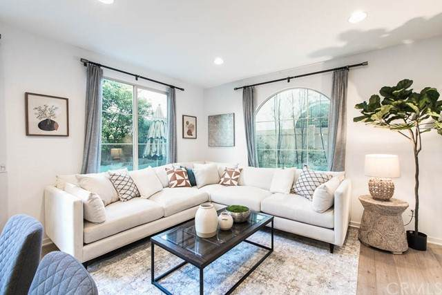 5567 Palm Drive, Hawthorne, CA 90250 (#SB21134558) :: Mint Real Estate