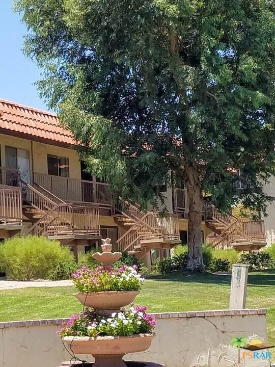 9651 Spyglass Avenue #9, Desert Hot Springs, CA 92240 (#21751848) :: Robyn Icenhower & Associates