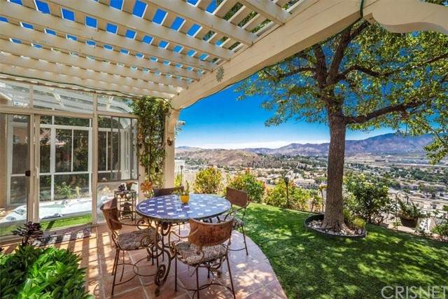 18513 Himalayan Court, Canyon Country, CA 91351 (#SR21120003) :: The Houston Team   Compass