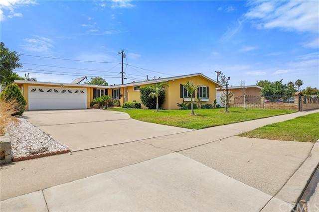 935 N Fairview Street, Anaheim, CA 92801 (#OC21134236) :: Wendy Rich-Soto and Associates