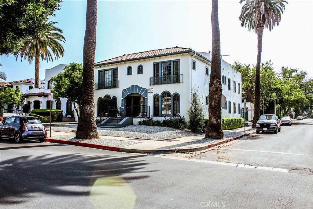 1000 N Croft Avenue, Los Angeles (City), CA 90069 (#SR21136686) :: The Miller Group