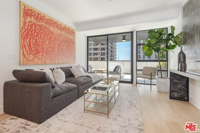 10777 Wilshire #604, Los Angeles (City), CA 90024 (#21752678) :: Jett Real Estate Group