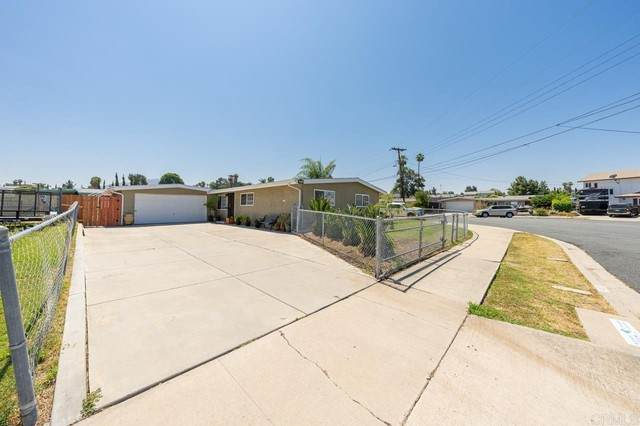 631 Maclay Street, Spring Valley, CA 91977 (#PTP2104395) :: Compass