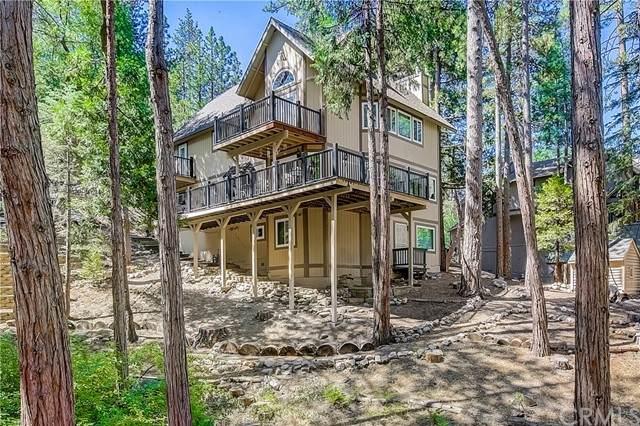628 Grass Valley Road, Lake Arrowhead, CA 92352 (#EV21135180) :: Wendy Rich-Soto and Associates