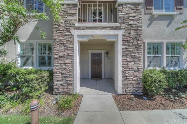 16739 Nicklaus Drive #26, Sylmar, CA 91342 (#SW21131928) :: The Miller Group