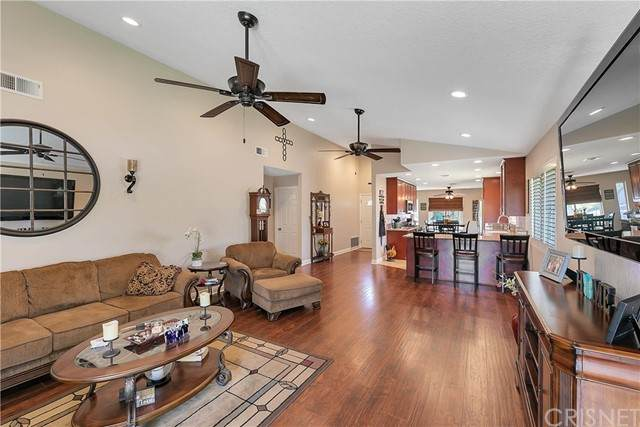 27642 Cypress Ridge Circle, Valencia, CA 91354 (#SR21137052) :: Wendy Rich-Soto and Associates