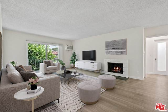 10980 Palms Boulevard #6, Los Angeles (City), CA 90034 (#21751360) :: The Miller Group