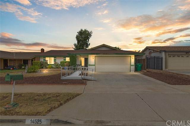 14525 May Lane, Moreno Valley, CA 92553 (#SW21137332) :: American Real Estate List & Sell
