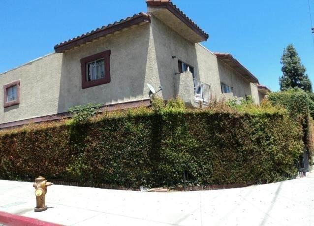 15555 Nordhoff Street 3A, North Hills, CA 91343 (#SR21137533) :: Robyn Icenhower & Associates