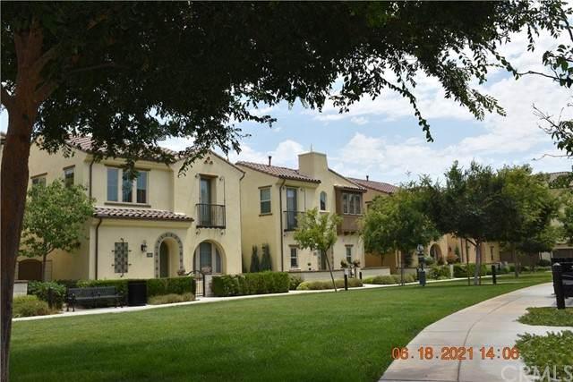 421 Maravilla Lane, Brea, CA 92823 (#DW21137652) :: Compass