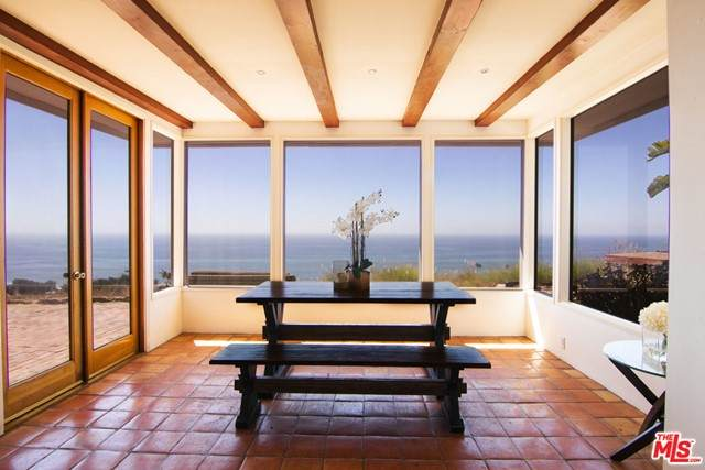 31339 Pacific Coast Highway, Malibu, CA 90265 (#21750628) :: Team Forss Realty Group