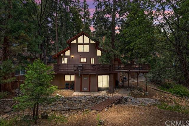 459 Clubhouse Drive, Twin Peaks, CA 92391 (#EV21137718) :: eXp Realty of California Inc.