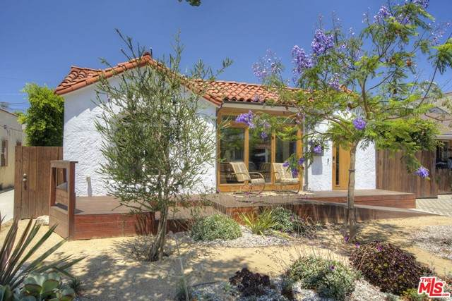 1815 S Cloverdale Avenue, Los Angeles (City), CA 90019 (#21734440) :: eXp Realty of California Inc.