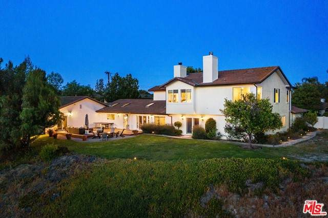 5845 Hilltop Road, Hidden Hills, CA 91302 (#21753478) :: Robyn Icenhower & Associates