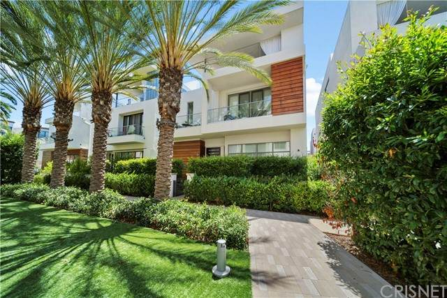 5918 Firefly Place, Playa Vista, CA 90094 (#SR21139740) :: Team Tami