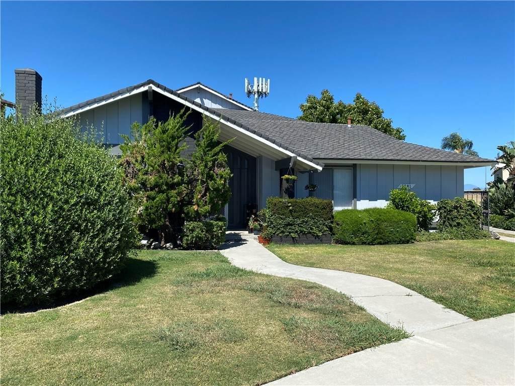 5581 Reno Circle - Photo 1