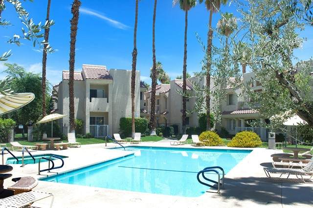 2700 Lawrence Crossley Road #102, Palm Springs, CA 92264 (#219064192PS) :: Jett Real Estate Group