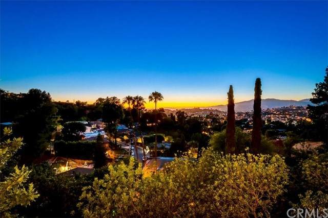 1015 Nordica Drive, Los Angeles (City), CA 90065 (#PF21125546) :: Robyn Icenhower & Associates