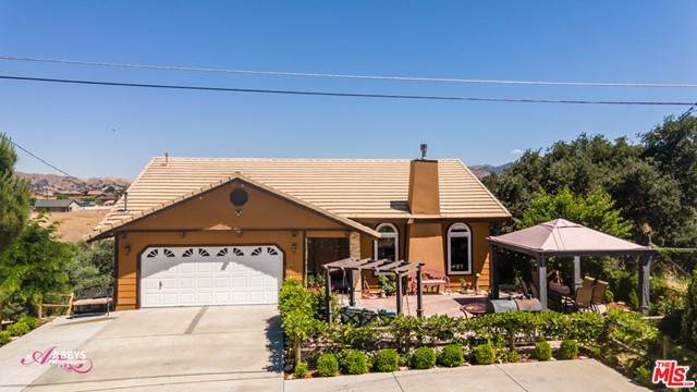 19913 Brite Valley Road, Tehachapi, CA 93561 (#21755652) :: Eight Luxe Homes