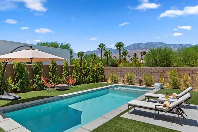 781 Skylar Lane, Palm Springs, CA 92262 (#219064391PS) :: Robyn Icenhower & Associates