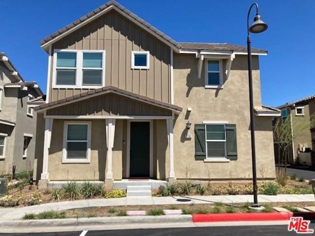 17101 Zion Drive, Santa Clarita, CA 91387 (#21756392) :: Cochren Realty Team | KW the Lakes