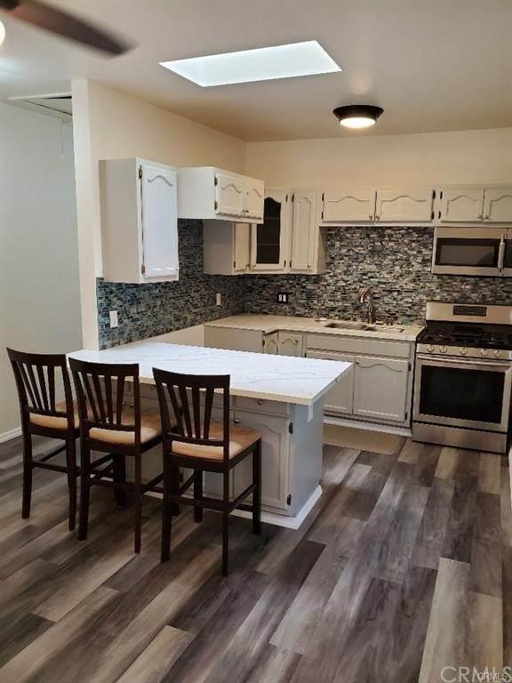 456 W 14th Street, San Pedro, CA 90731 (#PV21144464) :: Mark Nazzal Real Estate Group