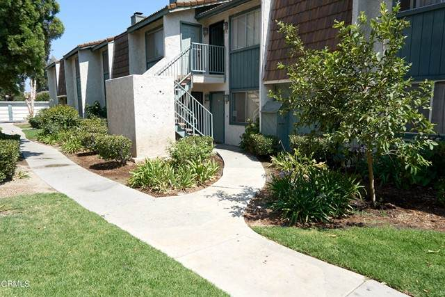 120 E Ventura Street E, Santa Paula, CA 93060 (#V1-6849) :: Robyn Icenhower & Associates