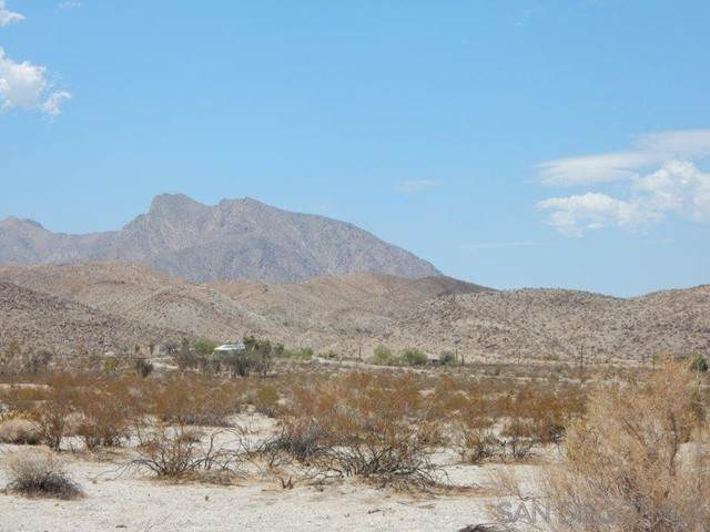 3180 Country Club Rd, Borrego Springs, CA 92004 (#210018694) :: Cochren Realty Team | KW the Lakes