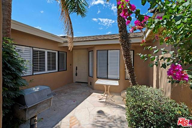 153 Madrid Avenue, Palm Desert, CA 92260 (#21755604) :: Doherty Real Estate Group