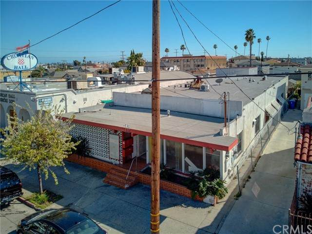 639 W 9th Street, San Pedro, CA 90731 (#SB21146949) :: Mark Nazzal Real Estate Group