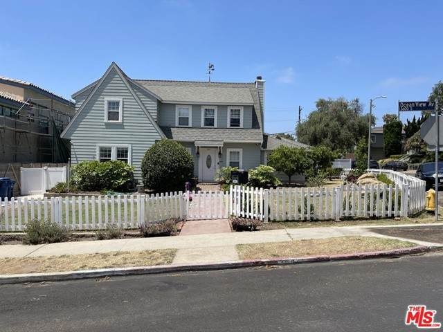3647 Ocean View Avenue - Photo 1