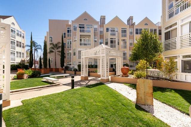 550 Ortega Avenue A404, Mountain View, CA 94040 (#ML81852218) :: Realty ONE Group Empire