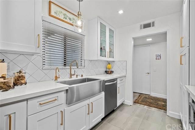 1304 Stanley Avenue #2, Glendale, CA 91206 (#SR21147566) :: Robyn Icenhower & Associates