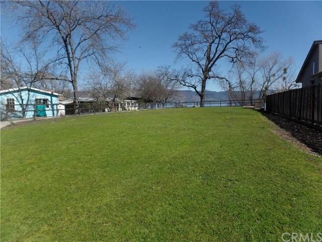 4436 Lakeshore Drive, Lakeport, CA 95453 (#LC21148619) :: The Kohler Group