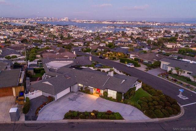 3566 Carleton St, San Diego, CA 92106 (#210019252) :: Jett Real Estate Group