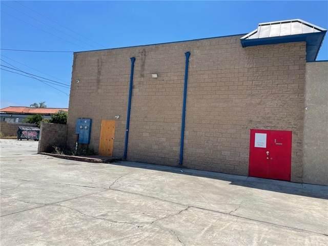 2136 Newport Boulevard, Costa Mesa, CA 92627 (#OC21144405) :: Jett Real Estate Group