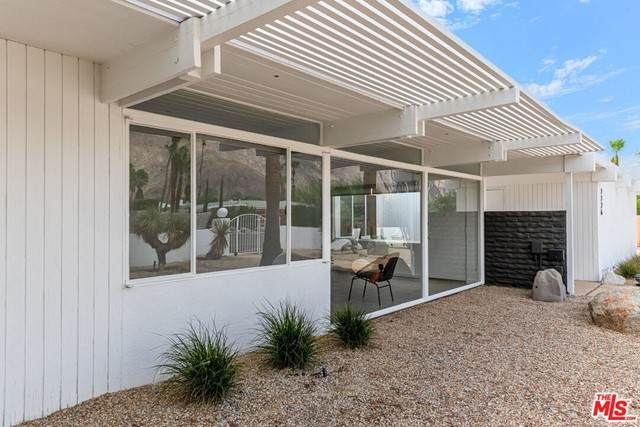 1126 N May Drive, Palm Springs, CA 92262 (#21758556) :: Robyn Icenhower & Associates