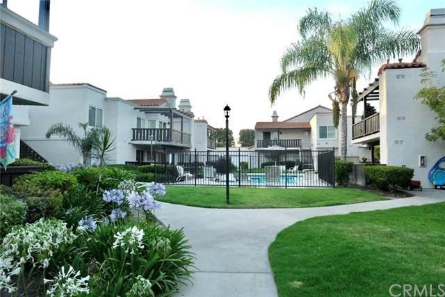 1935 W Houston Avenue #27, Fullerton, CA 92833 (#PW21150113) :: A|G Amaya Group Real Estate