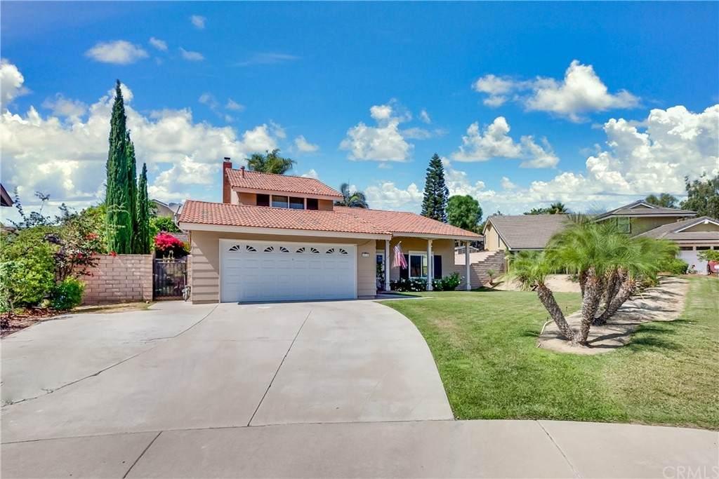 4710 Avenida De Los Suenos, Yorba Linda, CA 92886 (#OC21147311) :: Berkshire Hathaway HomeServices California Properties